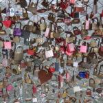 Graz (Österreich) – Liebesschlösser an einer Brücke über die Mur