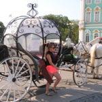 St. Petersburg (RUS) – Kutsche auf dem Palastplatz