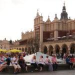 Krakau (PL) – in der Altstadt – Krakauer Tuchhallen auf dem Hauptmarkt