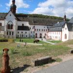 """Eltville am Rhein (Kloster Eberbach) – Lisa und """"Der Name der Rose"""""""