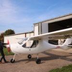Rinteln  – Johnny holt seinen Flieger aus dem Hangar