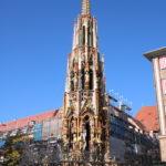 """Nürnberg – der """"Schöne Brunnen"""" auf dem Hauptmarkt"""