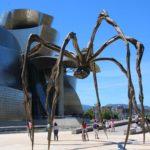 Bilbao (E) – vor dem Guggenheim-Museum