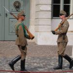 Budapest (H) – Wachen vor dem Amtssitz des Präsidenten auf dem Burgberg