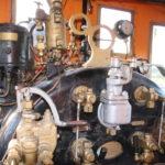 Auf dem Führerstand der alten Dampflok