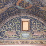 Ravenna (I) – Mausoleum der Galla Placidia (Kapelle des 5. Jh. mit bunten Mosaiken)