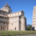 Pisa (I) – Kathedrale und Schiefer Glockenturm aus weißem Marmor