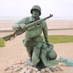 Vierville-sur-Mer (F) – Skulptur am Omaha Strand